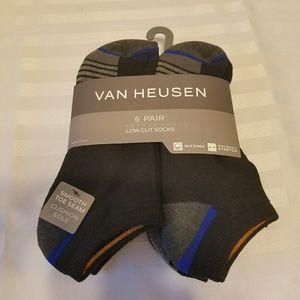 Mens Van Heusan Socks. 6pr. NWT. 10 to 13